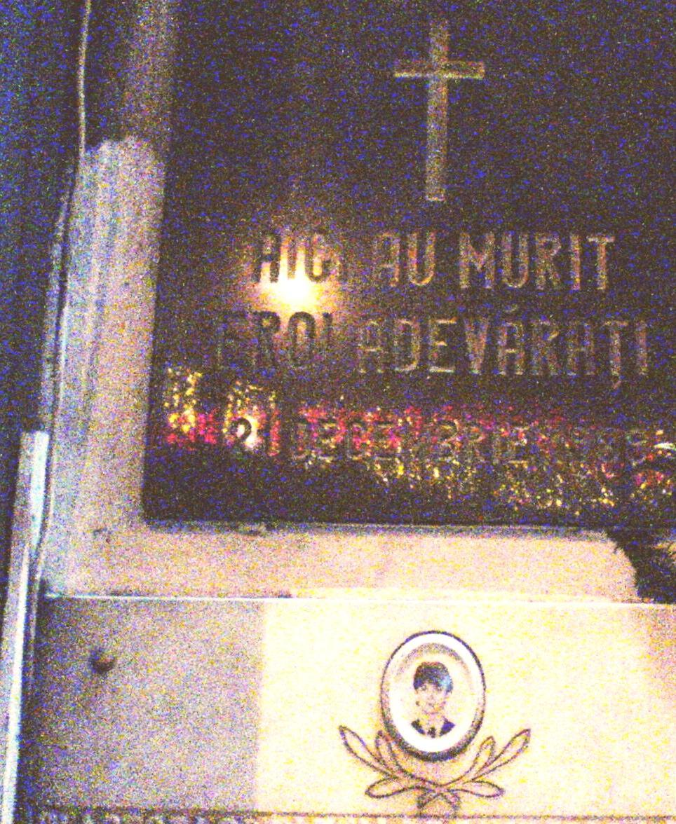 Placa comemorativa a eroilor adevarati Dalles