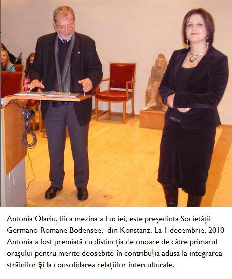 Antonia Olariu primind premiul din partea primarului